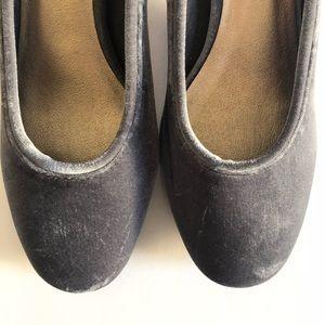 Anthropologie Shoes - NEW Liendo Seychelles Velvet Block Heel Pump 6.5